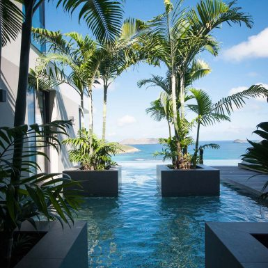 Villa Neo knee high pool