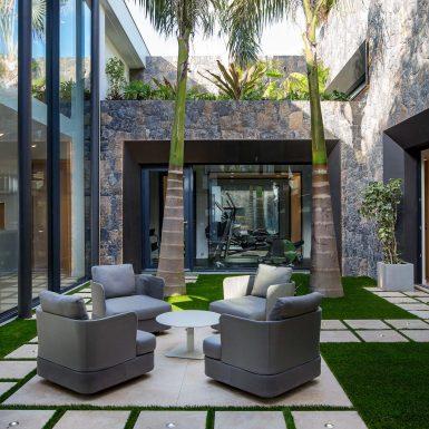 Villa Neo courtyard