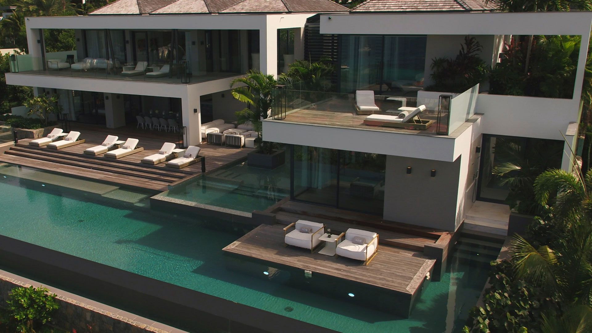 Villa Neo infinity pool and private decks
